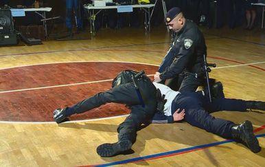Tko želi biti policajac? (Foto: Dnevnik.hr) - 1