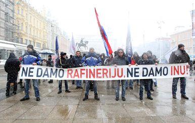 Prosvjednici (Foto: Sanjin Strukic/PIXSELL)