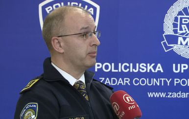 Domagoj Mikić razgovara s Načelnikom PU Zadarske Antonnom Dražinom o sigurnosti građana u Zadru (Foto: Dnevnik.hr) - 1