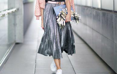 Lepršava suknja midi kroja