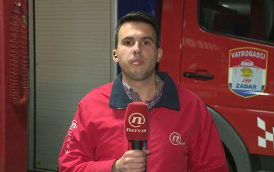 Šime Vičević razgovara s zadarskim vatrogasnim zapovjednikom Borisom Jovićem o paljenju vatre (Foto: Dnevnik.hr)