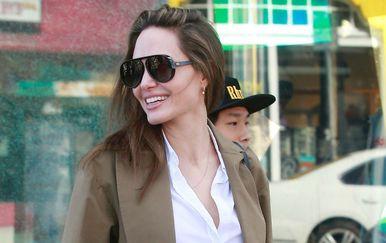 Angelina Jolie u šopingu s 15-godišnjim sinom Paxom u aveniji Melrose - 2