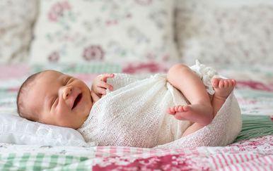 Novorođena djevojčica
