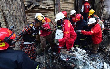Vatrogasci na terenu (Foto: AFP)