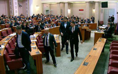 Burno oko zakona o INA-i (Foto: Dnevnik.hr) - 2
