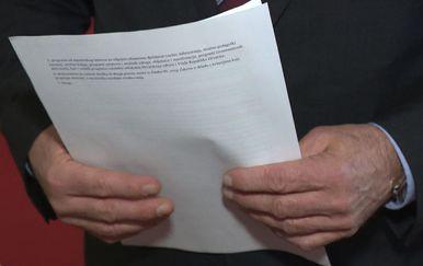 Tko čita ugovore? (Foto: Dnevnik.hr)