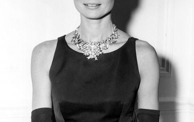 Vrijedni dijamant na glumici Audrey Hepburn