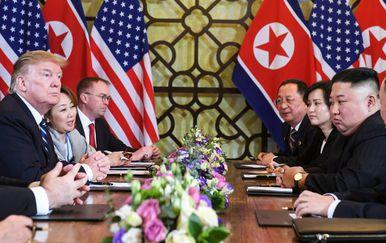 Kim Jong Un s Donaldom Trumpom na summitu u Hanoiju (Foto: AFP)