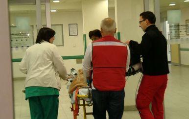 Teško ozlijeđenu djevojčicu prevezli u KBC Zagreb (Foto: Dnevnik.hr) - 2