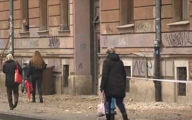 Žbuka sa zgrada na ulicama Zagreba