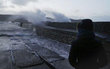 Oluja Eleanor pogodila zapadnu Europu (Foto: AFP)