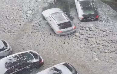 Boston pod vodom (Screenshot Reuetrs)