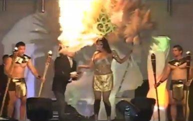 Djevojka je u trenutku izlaska ispred žirija predstavljala božicu žetve (FOTO: YouTube/Screenshot)
