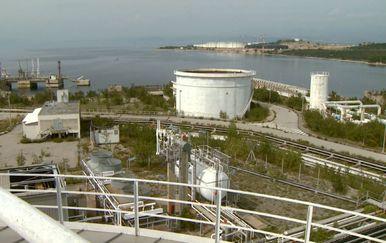 Plutajući ili kopneni plinski terminal (Foto: Dnevnik.hr) - 3