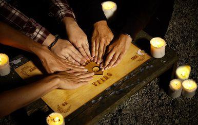 Ouija ploča najčešće je sredstvo pomoću kojeg živi pokušavaju komunicirati s mrtvima (FOTO: Profimedia)