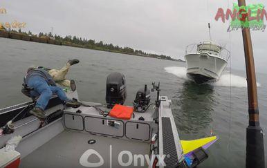 Larsen je navodno u trenutku nesreće koristio mobitel (FOTO: YouTube/Screenshot)