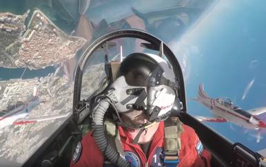 Piloti akrogrupe Krila Oluje izveli svoj letački program (Foto: Screenshot)