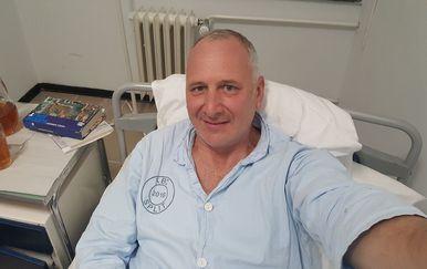 Andro Krstulović Opara napravio selfie iz bolničkog kreveta (Foto: Andro Krstulović Opara/Facebook)