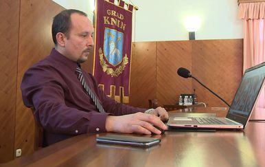 Knin pokreće e-referendum (Foto: Dnevnik.hr) - 1
