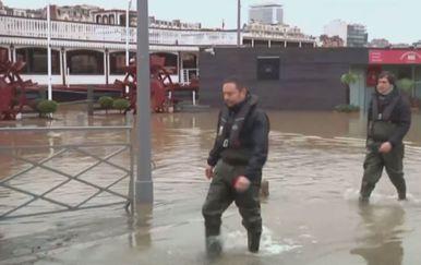 Pariz čeka vrhunac vodenog vala (Foto: Dnevnik.hr) - 1