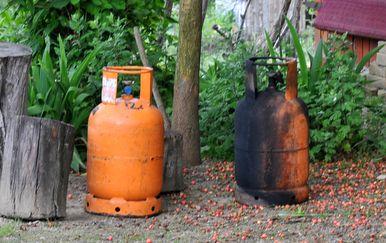 Plinske boce, ilustracija (Foto: Dusko Mirkovic/PIXSELL)