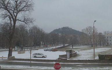 Snijeg u Dalmaciji (Foto: Dnevnik.hr)