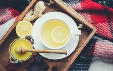 Kad imamo gripu, bitno je piti puno tekućine