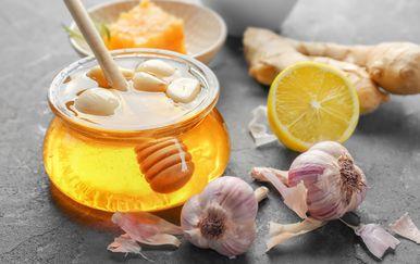 Češnjak, med i limun