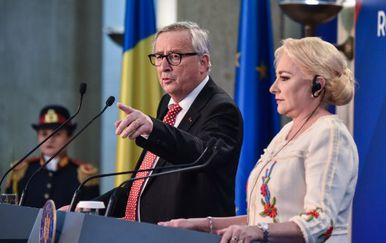 Jean Claude Juncker i rumunjska premijerka Viorica Dancila (Foto: AFP)