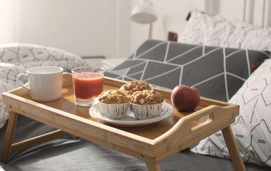 Muffini s jabukama i zobenim pahuljicama