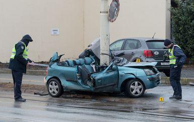 Prometna nesreća kod kružnog toka u Vinkovačkoj ulici u Osijeku (Foto: Dubravka Petric/PIXSELL) - 1