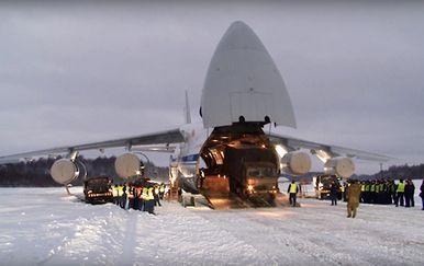Ruski teretni zrakoplov prevozi vojnu opremu (Foto: Siberian Times)