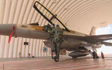Borbeni avion (Foto: Dnevnik.hr) - 2