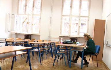 Profesorica sociologije Irena Ihas Jurić u praznoj učionici