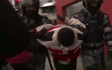 Policija uhićuje prosvjednike u Rusiji - 2