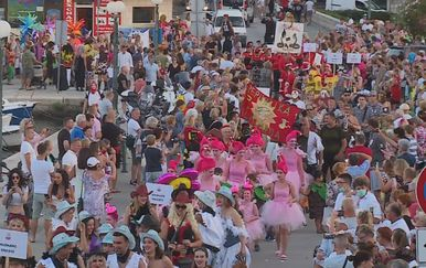 Korčulani proslavili pola Nove godine (Foto: Dnevnik.hr)