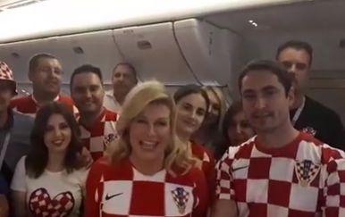 Predsjednica u avionu (Foto: screenshot/YouTube)