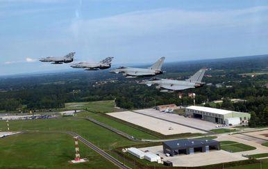 Vježba HRZ-a i RAF-a (Foto: OSRH / HRZ)