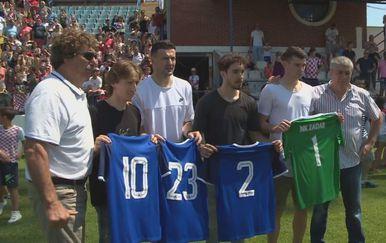 Vatreni u Zadru posjetili polaznike škole nogometa (Foto: Dnevnik.hr) - 2
