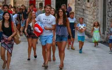 Andrej Kramarić s djevojkom (FOTO: Matija Habljak/PIXSELL)