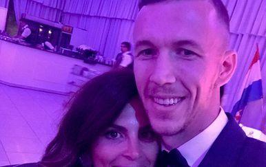 Ivan Perišić sa suprugom (FOTO: Instagram)