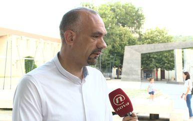 Šime Vičević razgovara sgradonačelnikom Knina o obljetnici Oluje (Foto: Dnevnik.hr) - 1