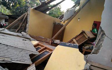 Potres je pogodio sjeverni dio otoka Lomboka (Foro: AFP)