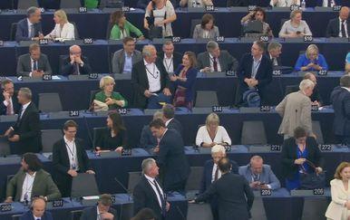 Na konstituirajućoj sjednici sudjelovalo je i 11 hrvatskih zastupnika Foto: Dnevnik.hr)