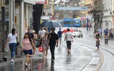 Ljetna kiša osvježila Zagreb (Foto: Marko Lukunic/PIXSELL)