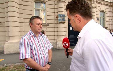Andrija Jarak razgovara s novinarem Jutarnjeg lista Dušanom Miljušem (Foto: Dnevnik.hr)