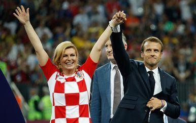 Predsjednica Kolinda Grabar-Kitarović slavi drugo mjesto Vatrenih na svjetskom prvenstvu (Foto: AFP) - 4