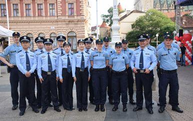 Policajci iz Kine (Foto: MUP)