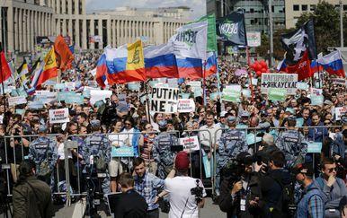 Više od 10.000 prosvjednika u Moskvi traži slobodne lokalne izbore (Foto: AFP)