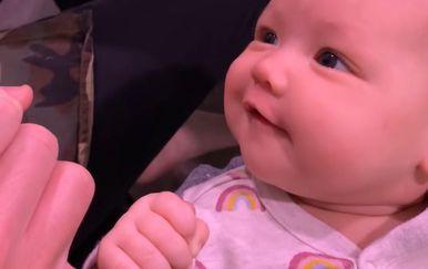Beba i mama (Foto: Screenshot/YouTube)